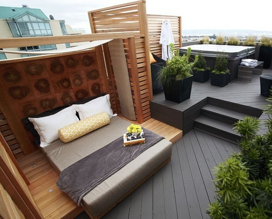 Luxe outdoor living daily dream decor for Bedroom with jacuzzi designs