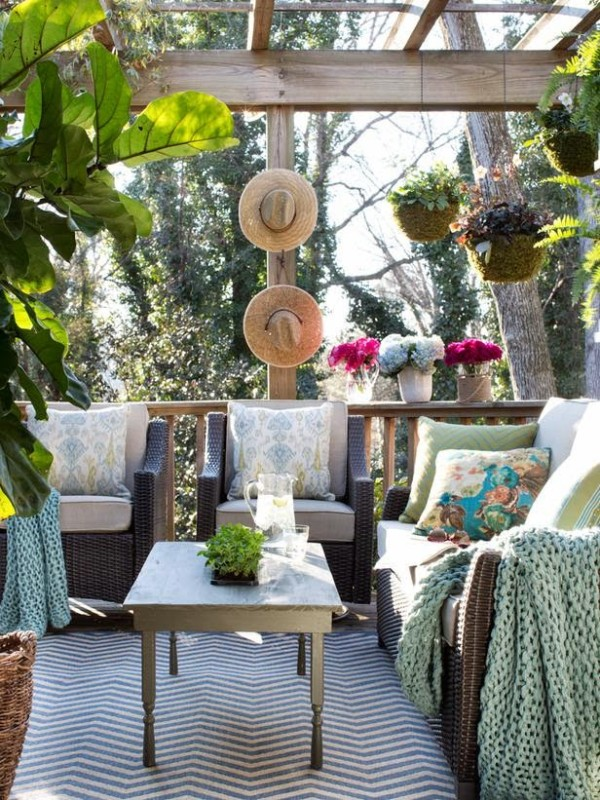 Dreamy outdoor living space daily dream decor for Decoration jardin printemps