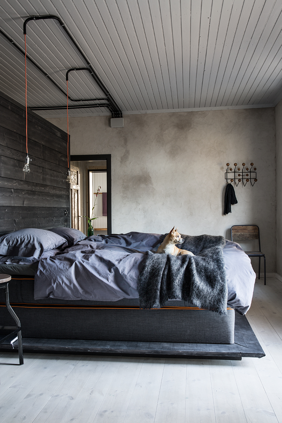 Cant Get Enough Of This Industrial Home