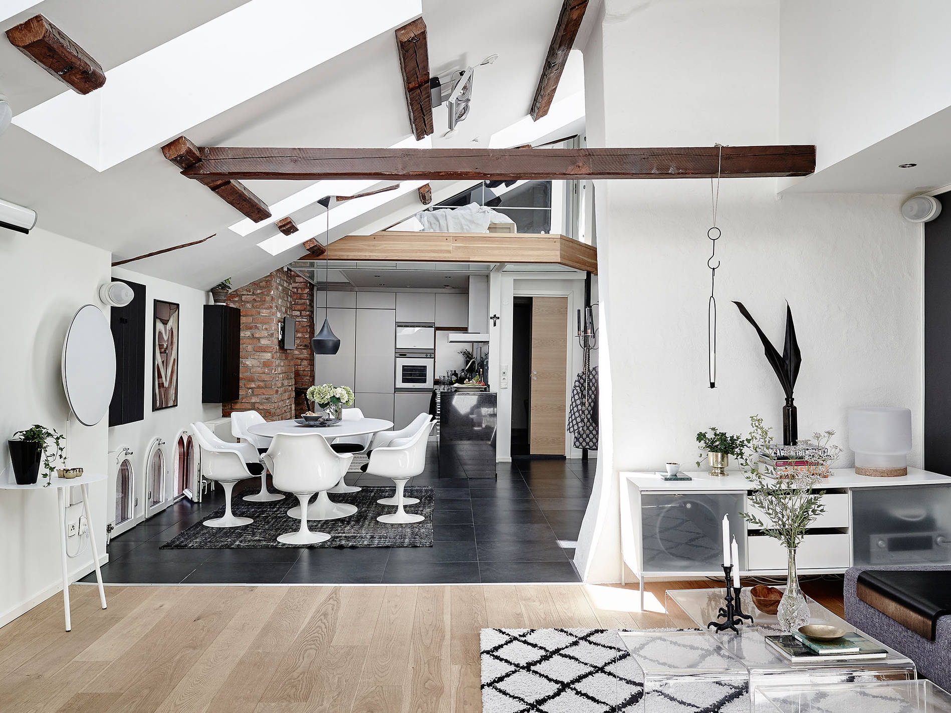 Fantastic attic apartment for a dreamy Monday