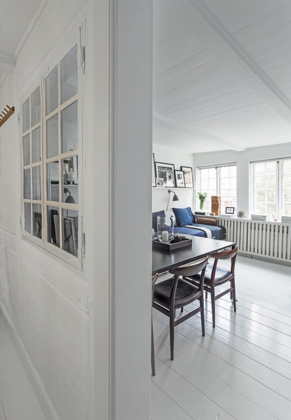 Small Scandi Apartment With Flexible Furniture Daily