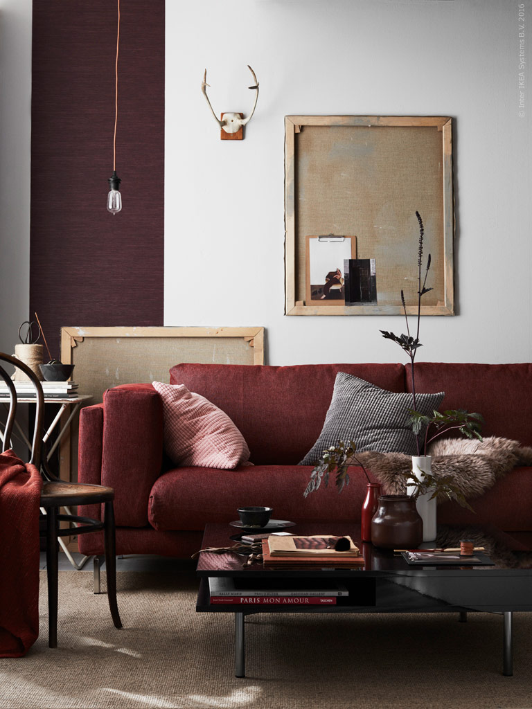 A dreamy living room in fall shades daily dream decor for Interieur aubergine