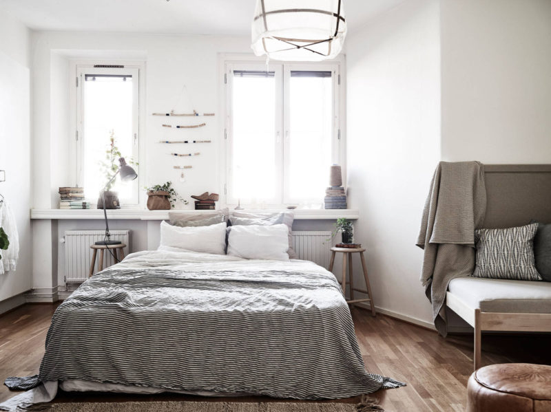 Uber dreamy tiny studio apartment daily dream decor for Super small apartment