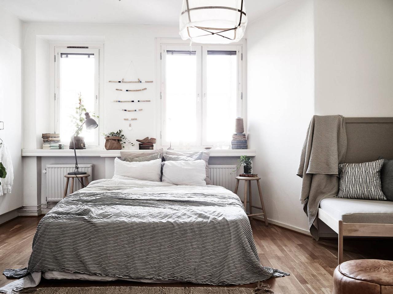 uber dreamy tiny studio apartment daily dream decor. Black Bedroom Furniture Sets. Home Design Ideas