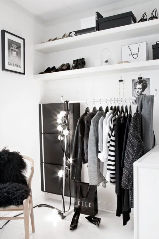 Cozy Vibe Clothing Rack In Black And White