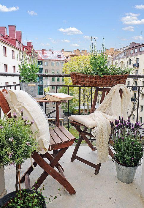 capricorn-balcony