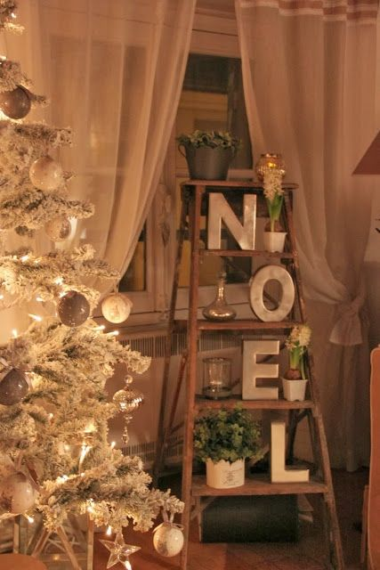 7 reason that ladders are the coolest thing to decorate this christmas - Christmas Ladder Decor