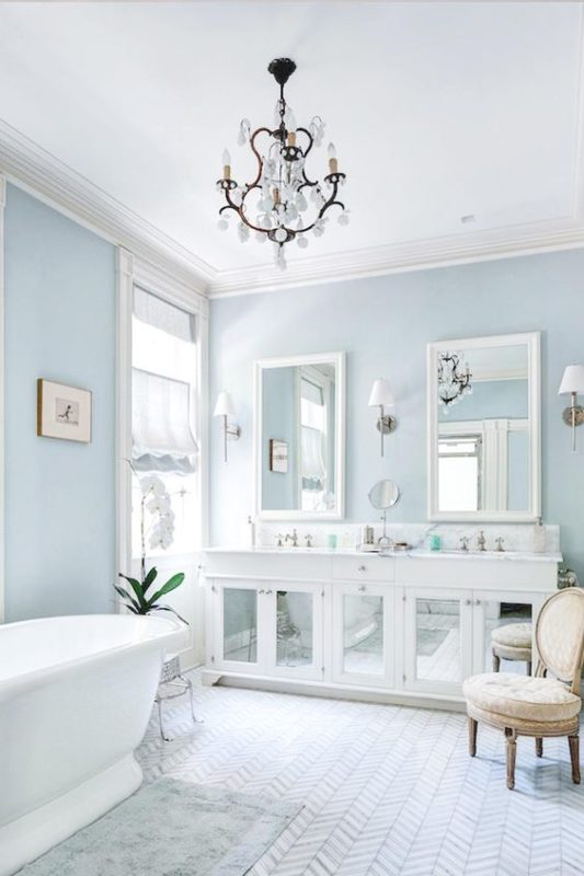 10 dreamy reasons to paint your walls blue for spring for Bathroom designs blue