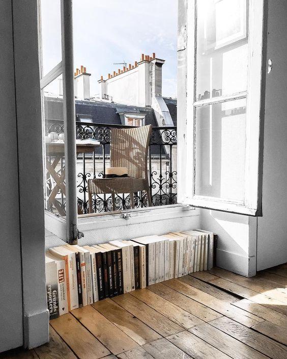 books parisian aprtment
