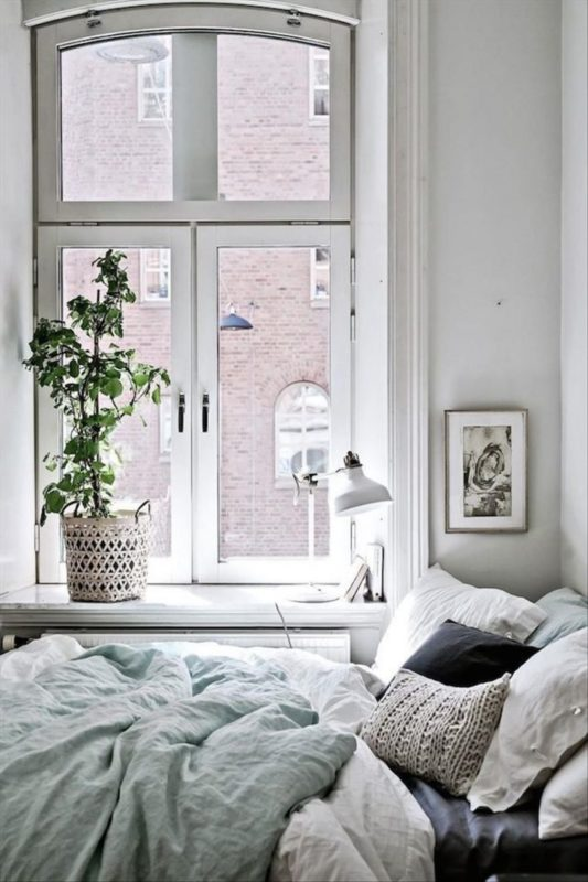 Ways to set a romantic mood into your home
