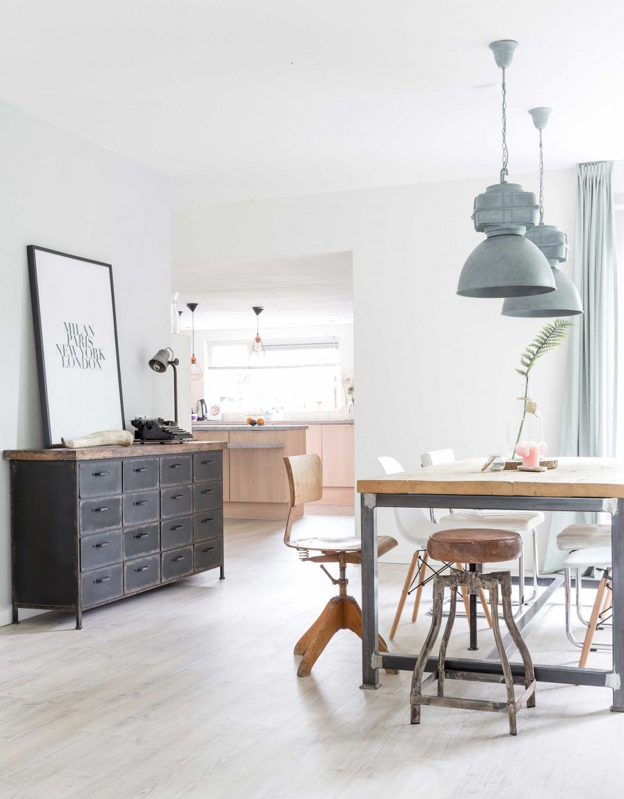 A fresh Danish home with a dreamy pallet bed - Daily Dream Decor