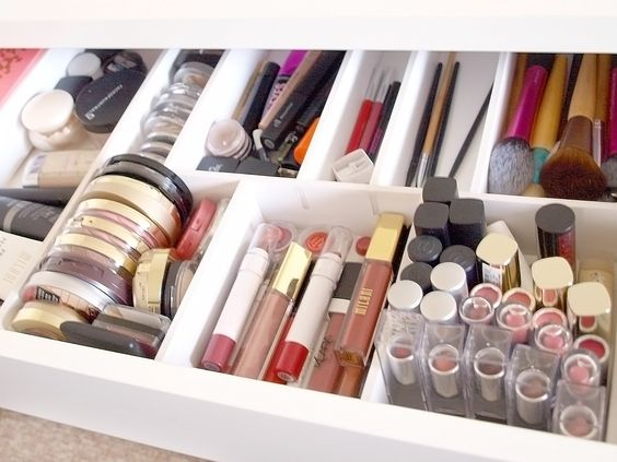 5 Dreamy tips to store your makeup and cosmetics – OBSiGeN ff1daabc0d6