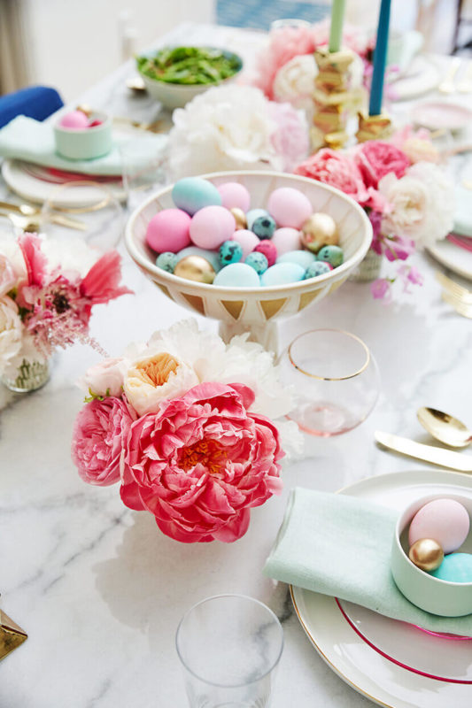 8 Dreamy Parisian chic table settings for Easter