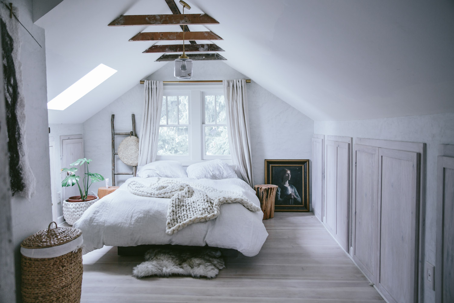 A Dreamy Attic Bedroom Makeover Daily Dream Decor