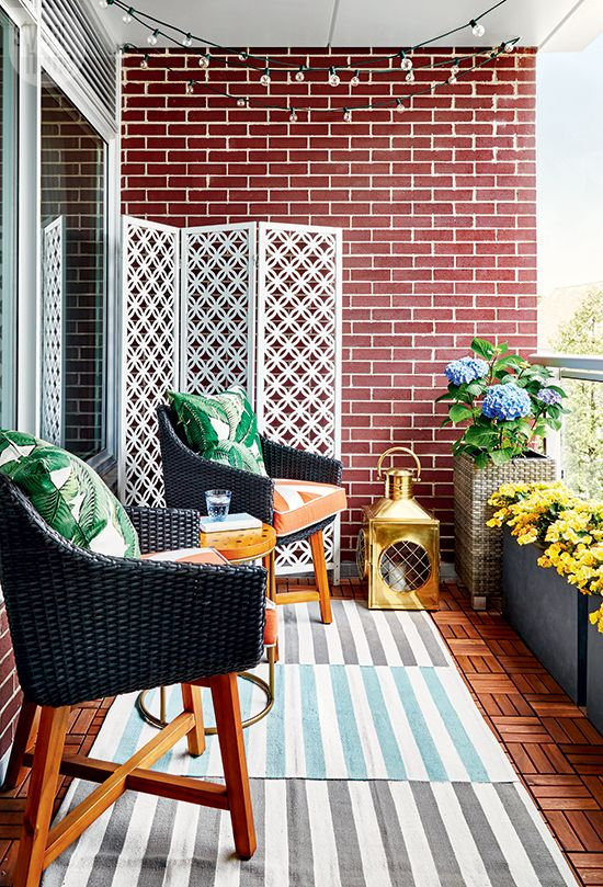 Cute Apartment Balcony: 10 Dreamy Balconies That Will Help You Get Ready For