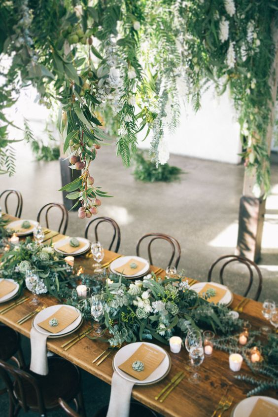 7 Gorgeous table settings that make Greenery the perfect wedding shade - Daily Dream Decor & 7 Gorgeous table settings that make Greenery the perfect wedding ...