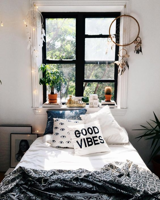 8 bohemian bedrooms for a midsummer night s dream daily for Room decor urban outfitters uk