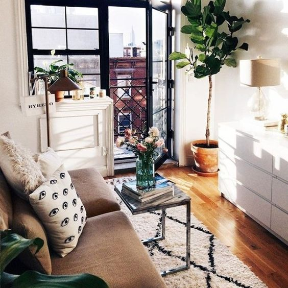 Decorating Small Apartment Living Room: 5 Dreamy Feng Shui Tricks For A Small Apartment