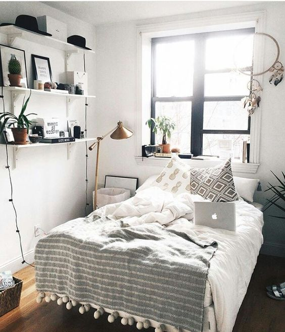 8 enchanting tips on how to make your bedroom look bigger for Small room ideas pinterest