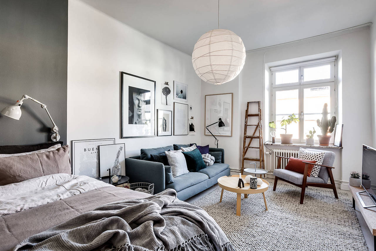 A dreamy Scandinavian apartment in shades of blue and grey - Daily ...