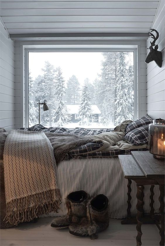 8 cozy charming bedrooms that will make you want to for Winter bedroom