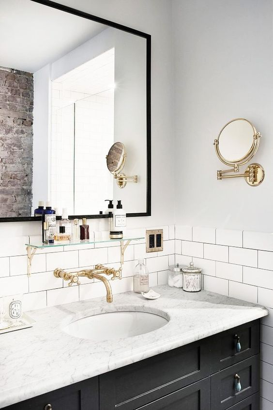 6 great ways in which you can become a minimalist in home for Bathroom ideas gold coast