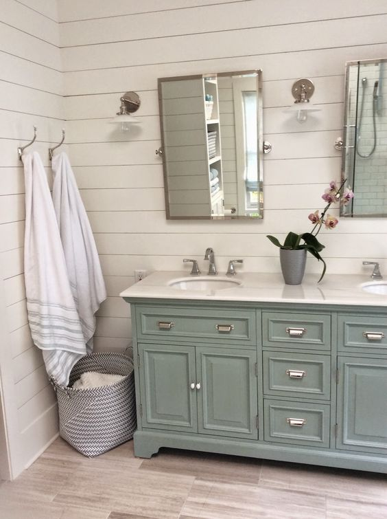 10 farmhouse inspired bathrooms you will dream about for Bathroom cabinets uk only