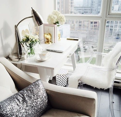 8 Glam Office Spaces Perfect For People Seeking Succes