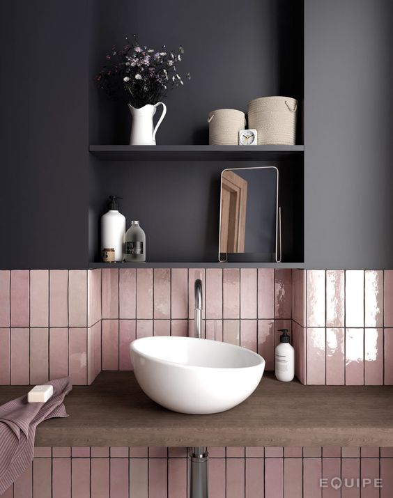 7 gorgeous pink spaces that welcome a blooming spring for Spring bathrooms
