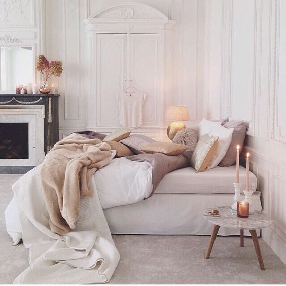 9 dreamy bedroom boudoir looks that will inspire you for Boudoir bedroom ideas