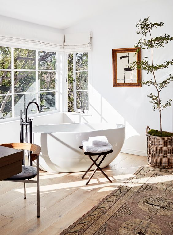 7 Amazing rooms where the bathtub is part of the living room - Daily ...