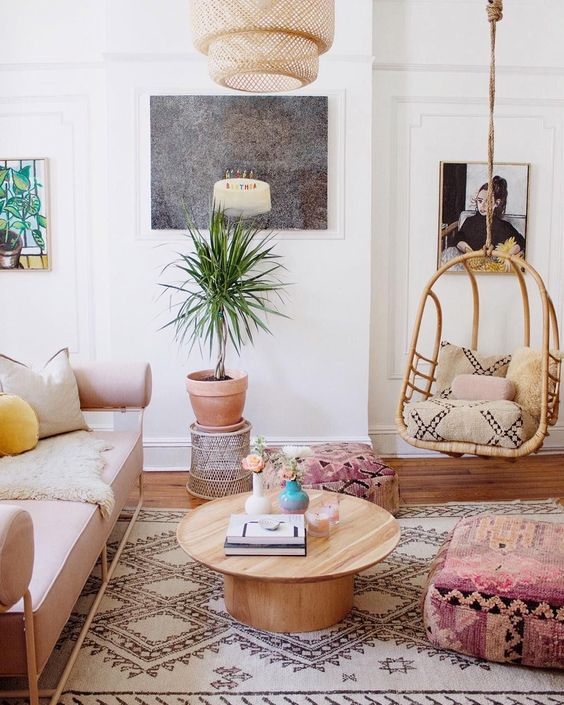 6 boho living room spaces that will wow you this fall - Boho chic living room decorating ideas ...