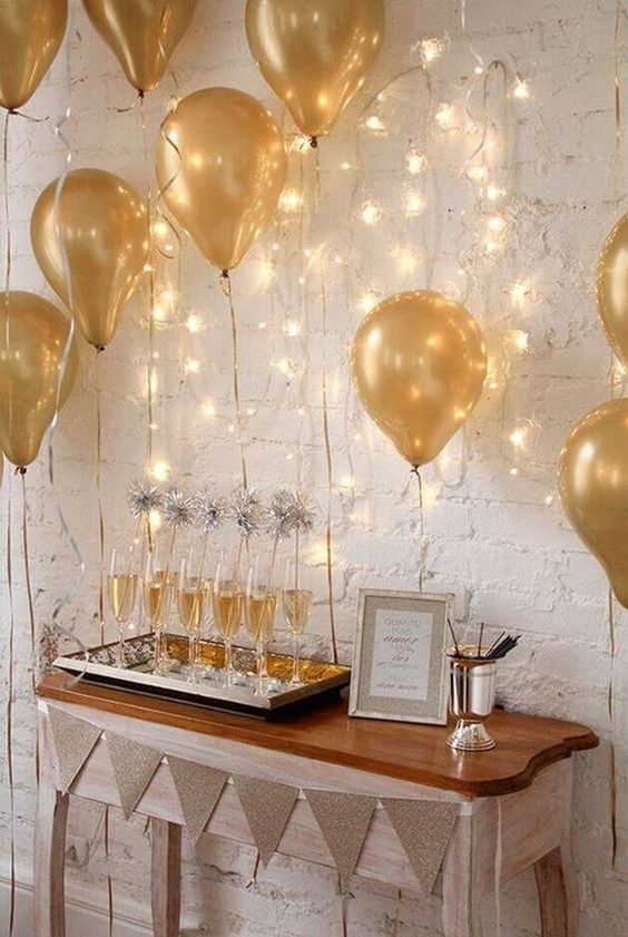 7 Dreamy Party Ideas For New Year S Eve Daily Dream Decor