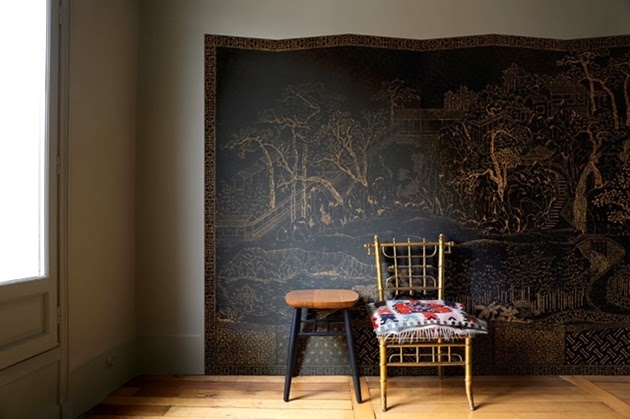 A trompe l'oeil of a Chinese dressing screen, exotic and chic, in the spirit of Coco Chanel's apartment.