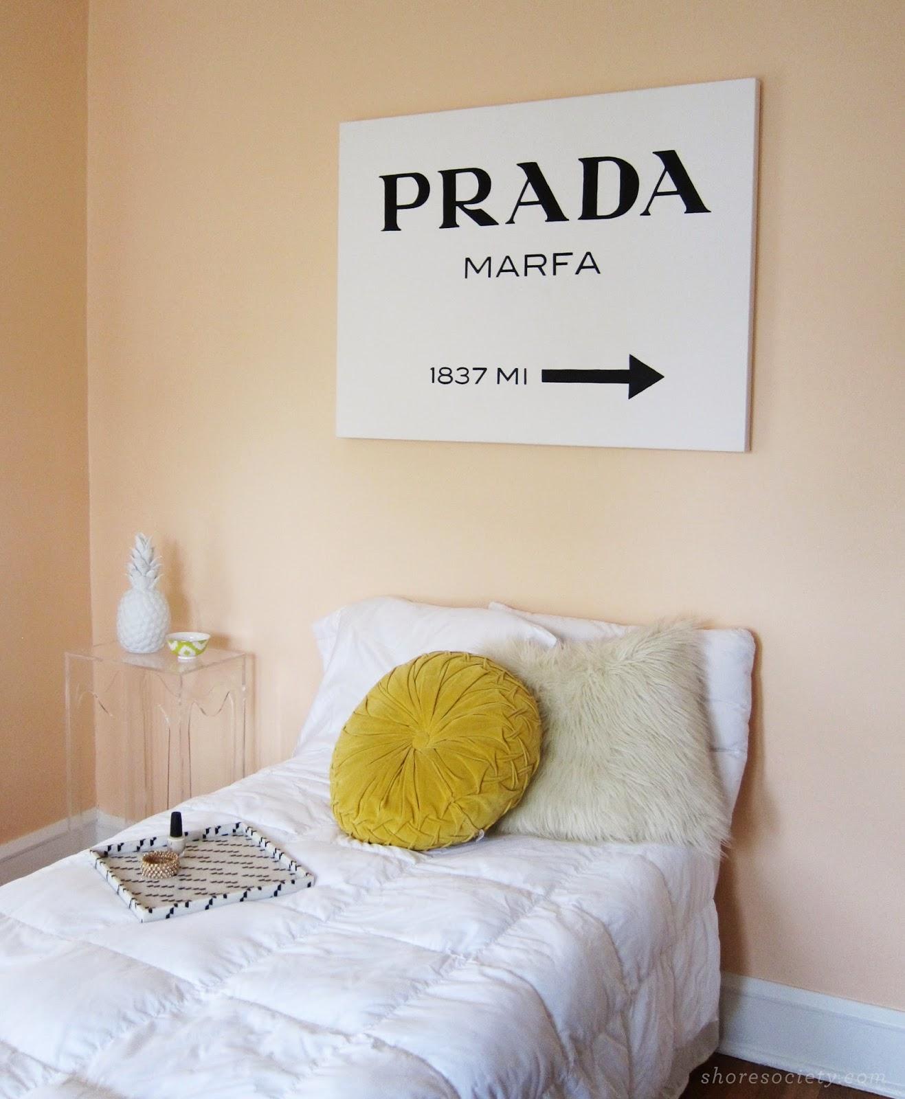 Prada_Marfa_DIY_1