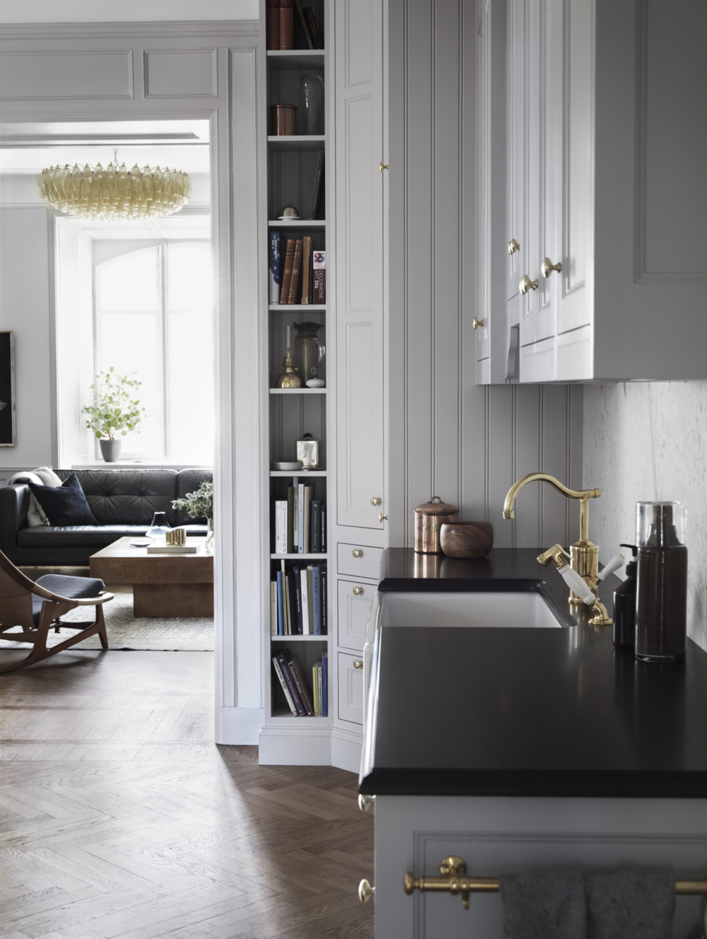 cool-apartment-with-gold-details4