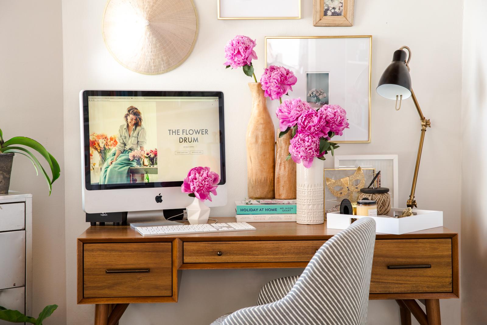 lovely home office living room | Uber lovely home office - Daily Dream Decor