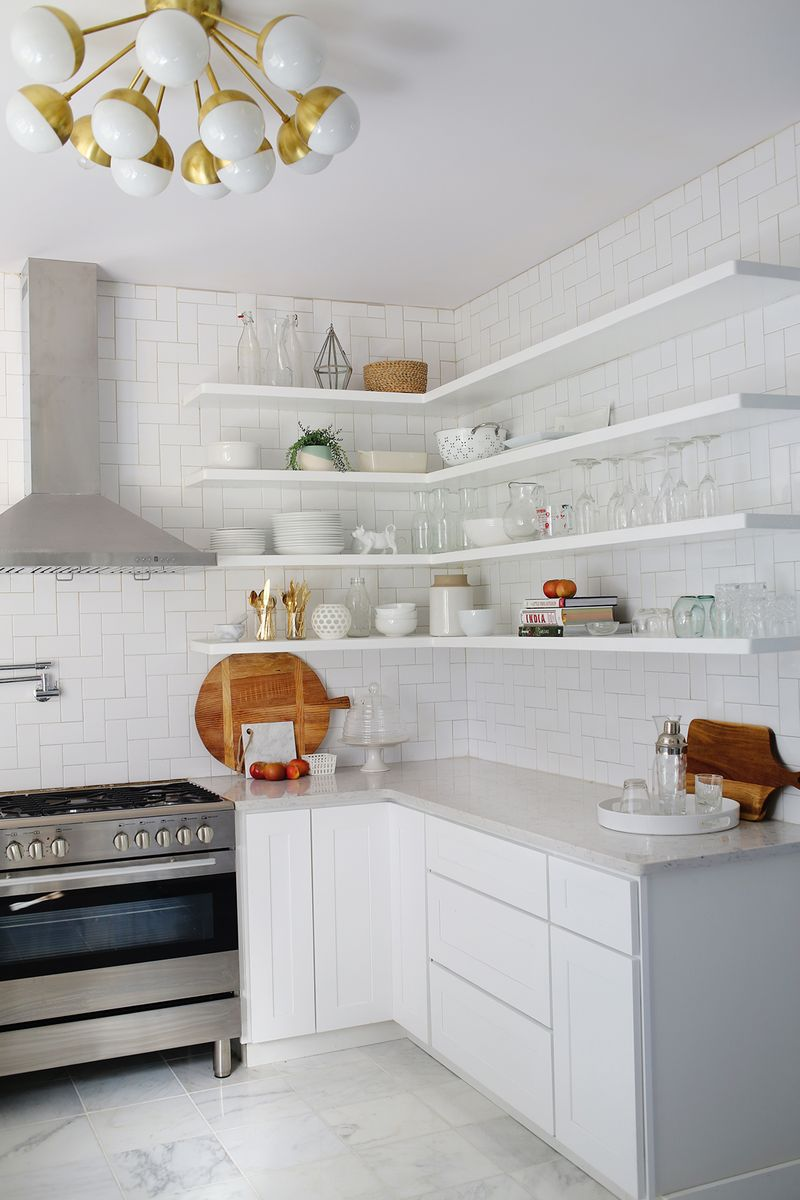 white-and-gold-kitchen2