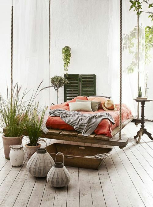 suspended-bed