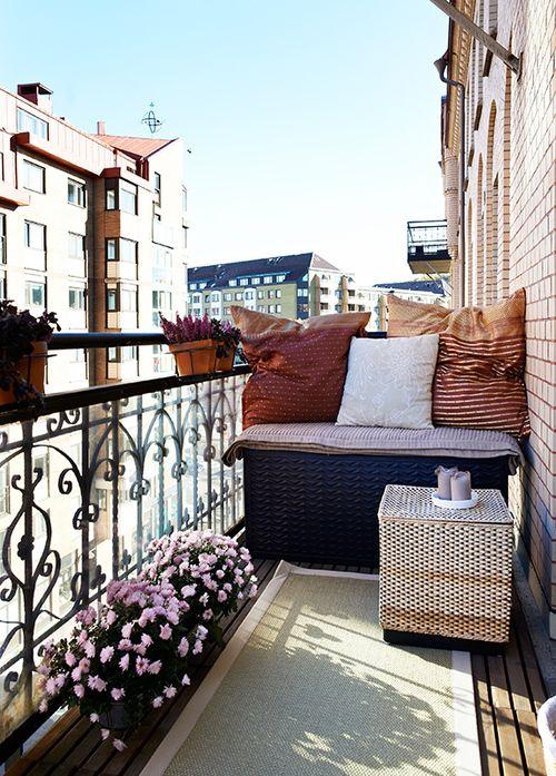 raffia balcony