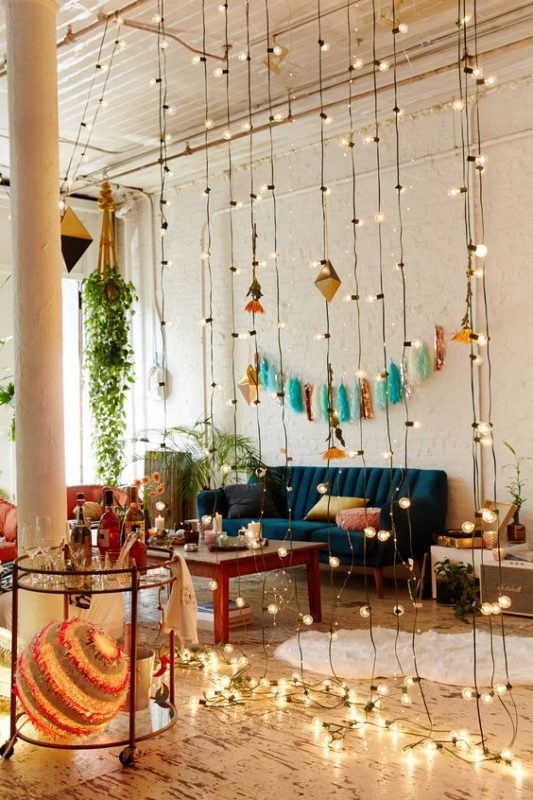 bohemian-living-room-with-light-3