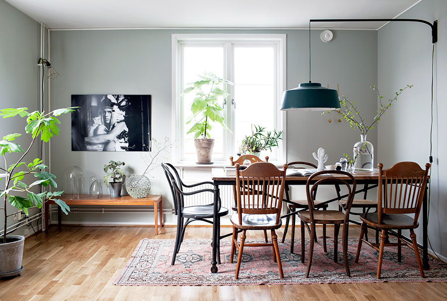 Warm shades of gray in a dreamy apartment @denisaluntraru