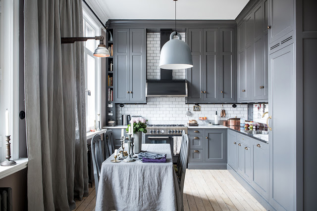 a-dreamy-gray-kitchen