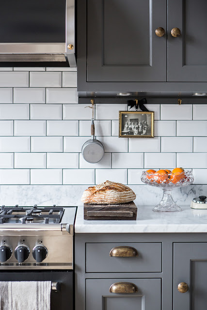 a-dreamy-gray-kitchen2
