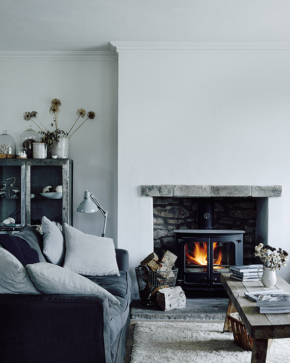 a-dreamy-monochrome-yet-cozy-home