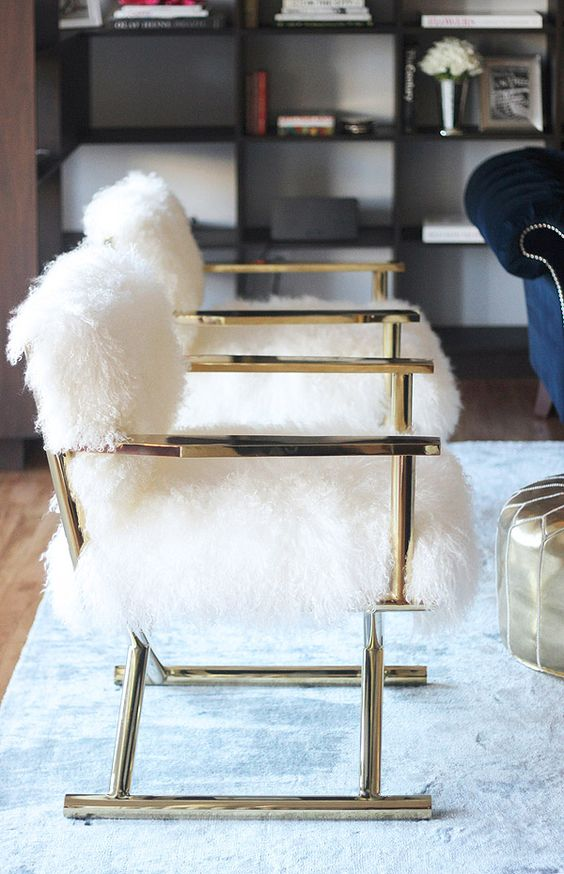 8 Glam ways to incorporate golden objects into your home