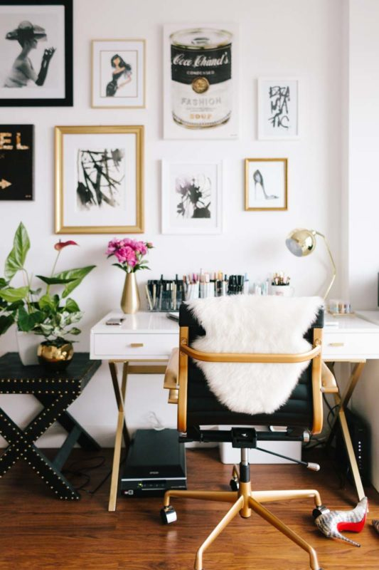 8 Glam ways to incorporate golden objects in your home