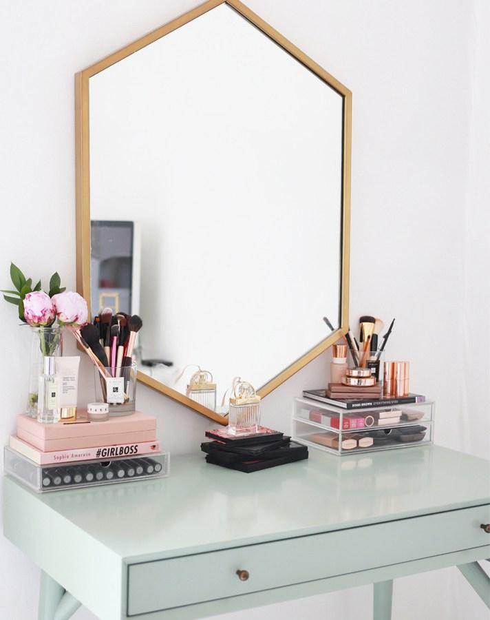 katelavie-vanity