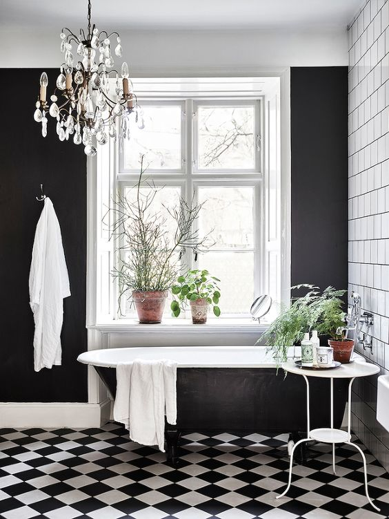 black and white tiles bathroom 8
