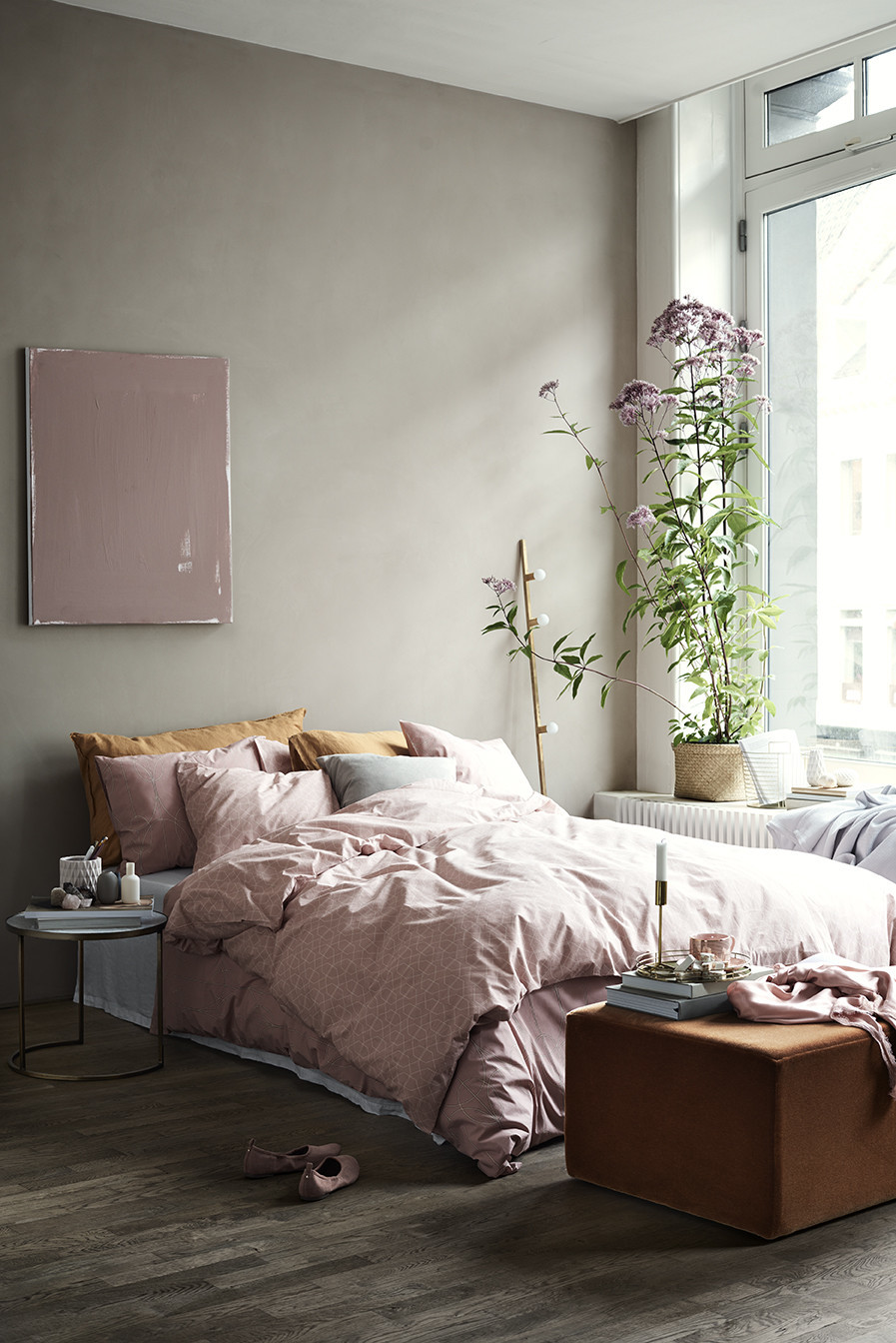 a pink dreamy h m bedroom daily dream decor. Black Bedroom Furniture Sets. Home Design Ideas